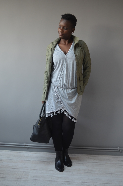 Porter une robe d'été en hiver