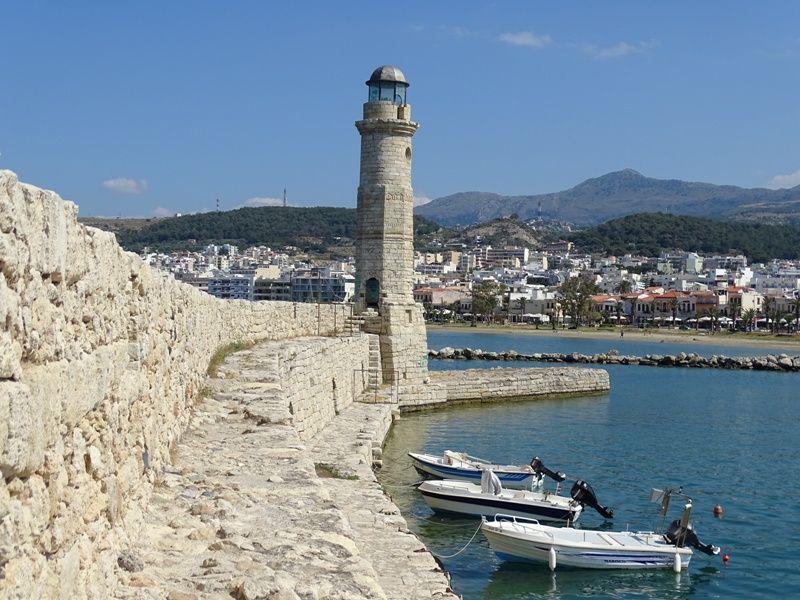 lighthouse-in-rethymnon-venetian-port-compressor
