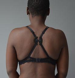 accessoires lingerie Lemon Curve qui permettent de dévoiler le dos et la poitrine